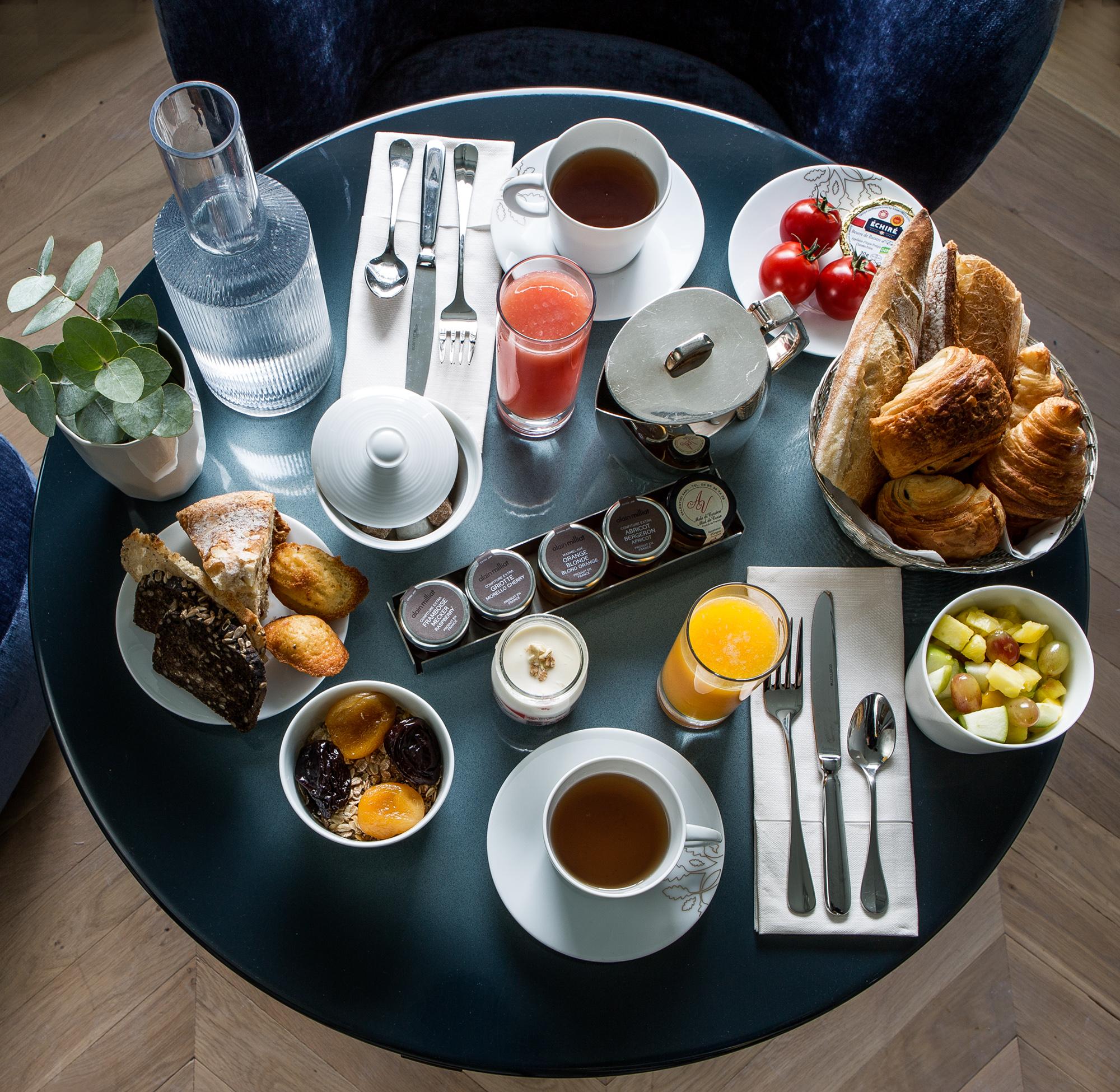 offre-speciale-petit-dejeuner-inclus-Maison-Armance-Paris